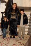 Маргарита Хранова дефилира на ревю с внуците си Иван (големия) и Кристиян