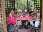 Кристина Димитрова на 50-годишния си юбилей със синовете си, Агент Тенев и приятелка